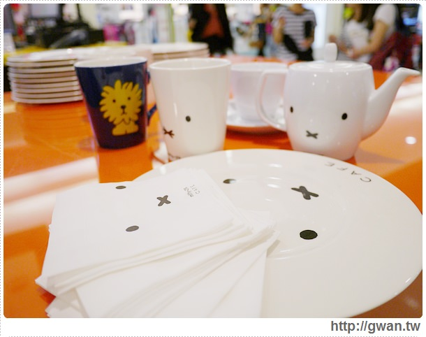 MiffyX2% CAFE-米飛兔-卡通主題餐廳-Miffy主題咖啡-親子餐廳-台北-板橋-中和環球-環球購物中心-Global Mall-Miffy 60歲-生日快樂-Miffy 60週年特展-比利時鬆餅-15-214-1