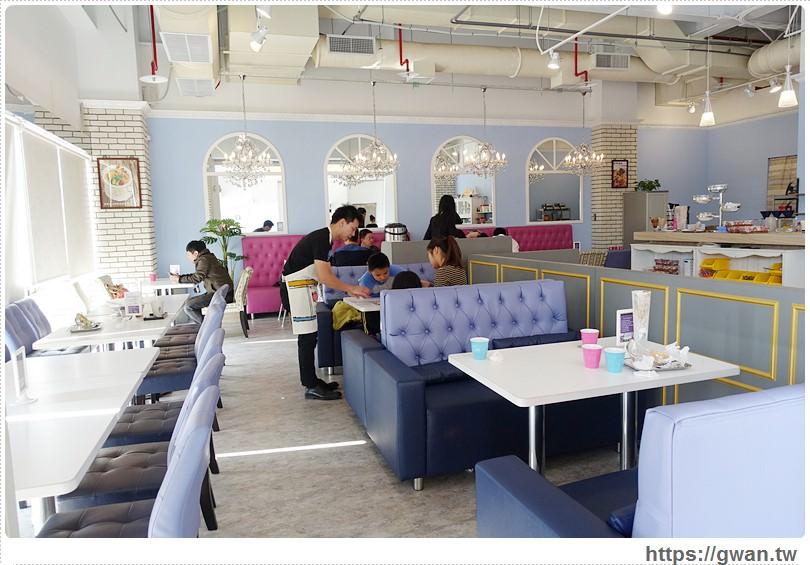 台中美食,Rainbow Waffle cafe,Rainbow Waffle台中,Rainbow Waffle高雄,台中下午茶,台中推薦下午茶,夢幻下午茶,夢幻甜點,玻璃鞋甜點,高跟鞋甜點,高跟鞋教堂,101高塔,UCC咖啡,特力屋-10-228-1