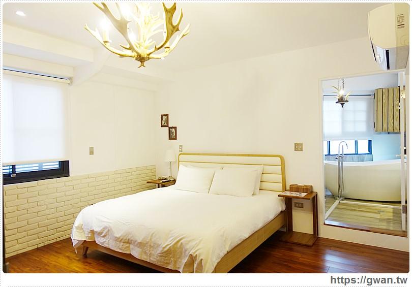 [台南住宿●北區] 4 Design Inn– 夢想家設計旅店,二訪住到有超美蛋型浴缸的鄉村風鹿角房