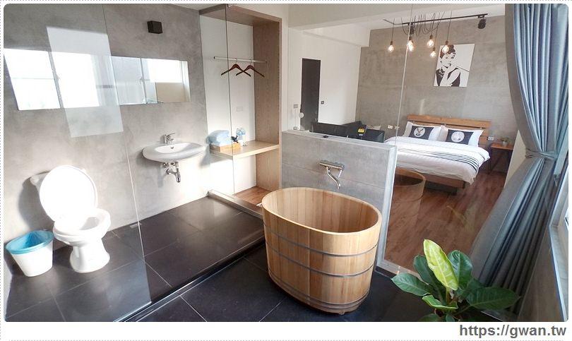 [台南住宿●北區] 慕特公寓 — 火車站附近新開幕的平價設計感民宿|赫本房超大透明浴室還有泡澡檜木桶喔❤