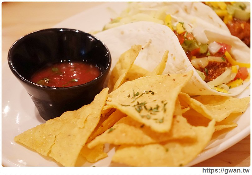 餐廳台北,餐廳推薦,AK12,AK12美式小館,台北捷運,捷運美食,西門美食,西門町 餐廳,美式餐廳,巴克斯,調酒-29-979-1