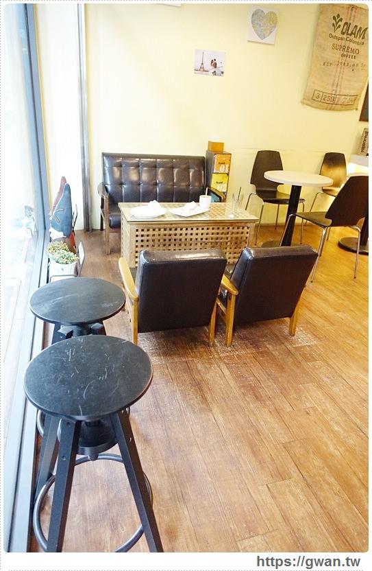 20160625142300 86 - [台中美食●北屯區] Double Coffee 大坡咖啡屋 — 胖呼呼棉花糖被包起來啦~