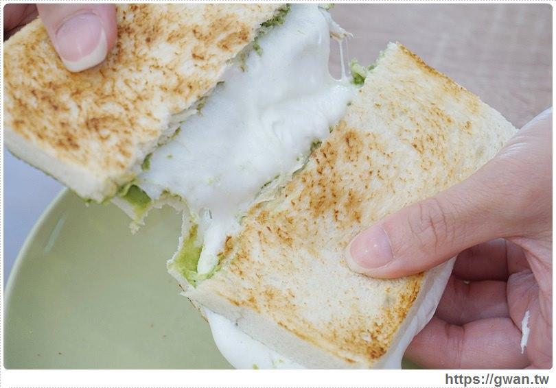 [中和美食] Food Life 福來早餐 — 想吃起司煉乳饅頭不用跑斗南!!!還有韓國超夯的抹茶牛奶吐司❤
