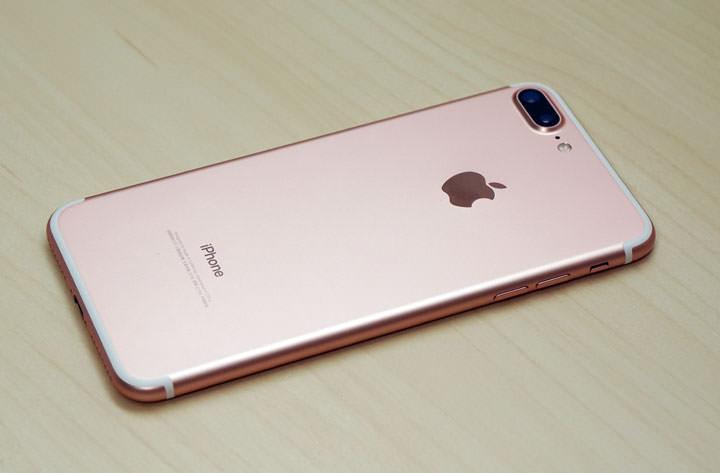 [Unbox] iPhone7 Plus 玫瑰金新機開箱!來試試全新支援3CA到底能跑多快!