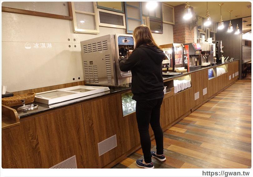 20170110142358 98 - 饗厚牛排文心店 — 開幕優惠排餐88折 | 麵包、飲料、冰淇淋,自助Bar無限享用
