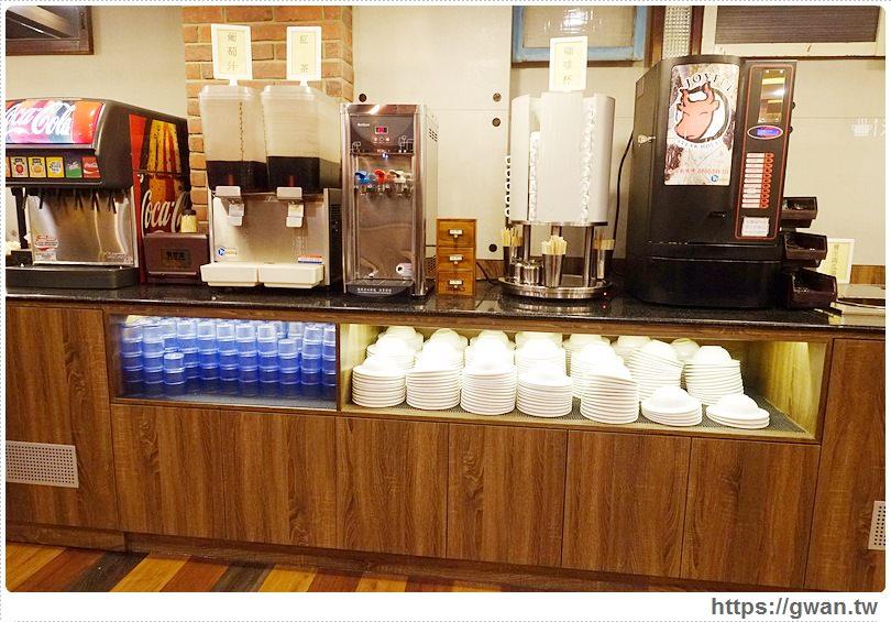 20170110142408 33 - 饗厚牛排文心店 — 開幕優惠排餐88折 | 麵包、飲料、冰淇淋,自助Bar無限享用
