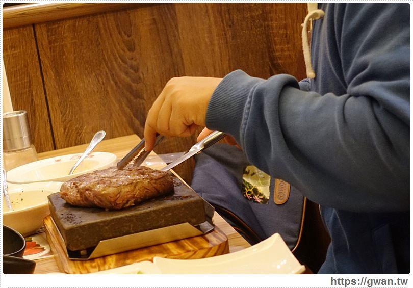 20170110142513 69 - 饗厚牛排文心店 — 開幕優惠排餐88折 | 麵包、飲料、冰淇淋,自助Bar無限享用