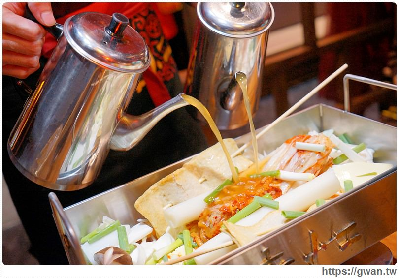 20170113010819 13 - 熱血採訪 | 店小二串燒vs燒肉 — 韓式大長今鍋加豪華海鮮盤 | 聚會圍爐超吸睛的方形火鍋