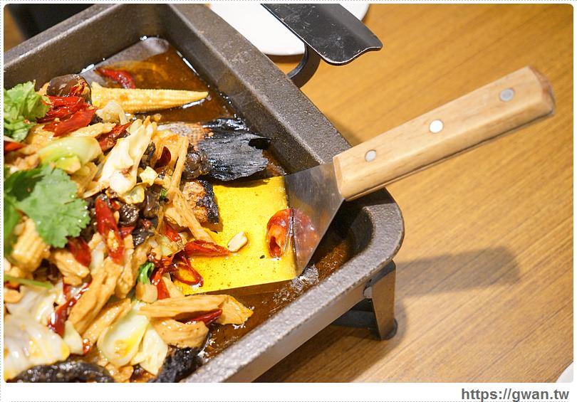 20170122203357 39 - 熱血採訪 | 城裡城外巫山烤魚 — 麻辣酸甜怪味烤魚 | 台灣也能吃到道地四川活魚料理