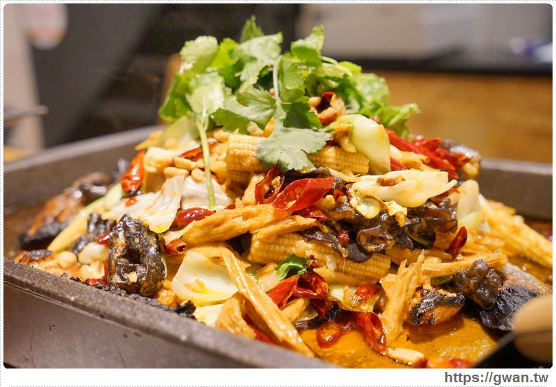 20170122203401 9 - 熱血採訪 | 城裡城外巫山烤魚 — 麻辣酸甜怪味烤魚 | 台灣也能吃到道地四川活魚料理