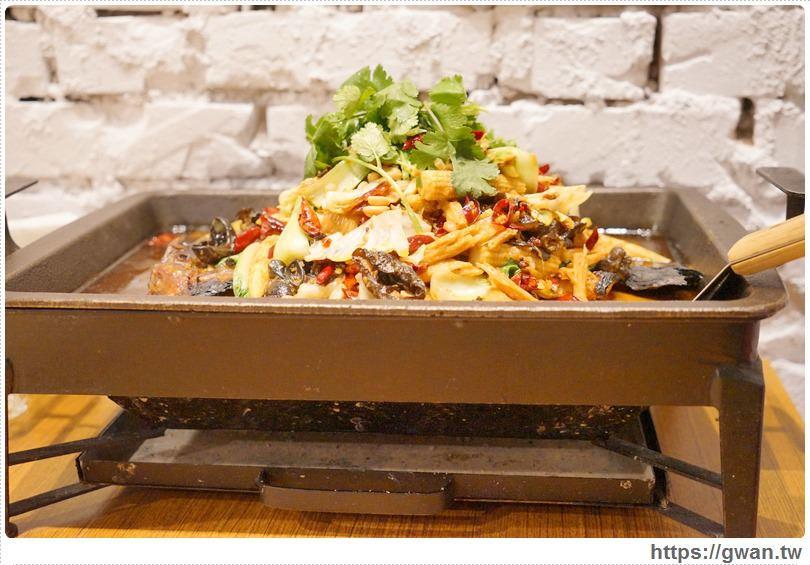 20170122203402 83 - 熱血採訪 | 城裡城外巫山烤魚 — 麻辣酸甜怪味烤魚 | 台灣也能吃到道地四川活魚料理