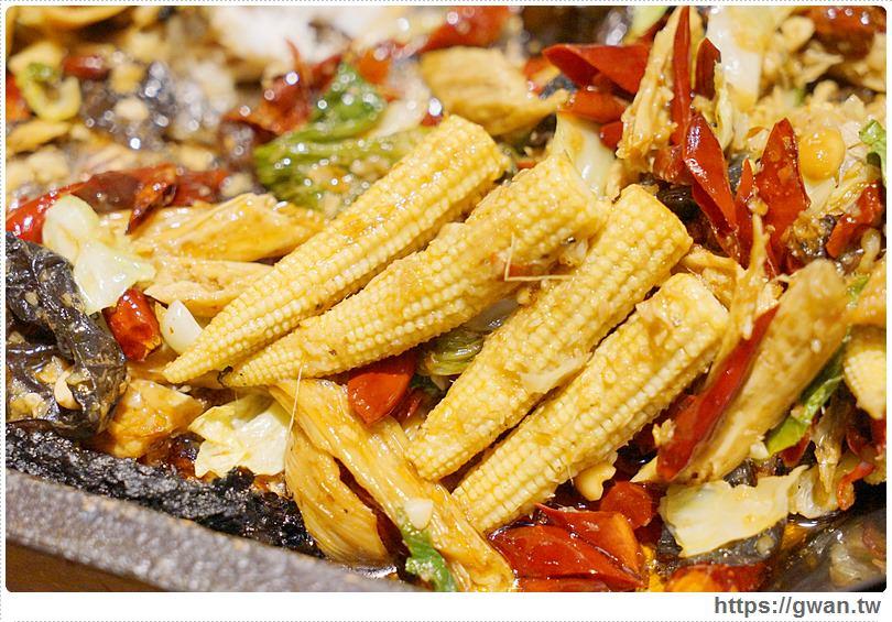 20170122203408 21 - 熱血採訪 | 城裡城外巫山烤魚 — 麻辣酸甜怪味烤魚 | 台灣也能吃到道地四川活魚料理