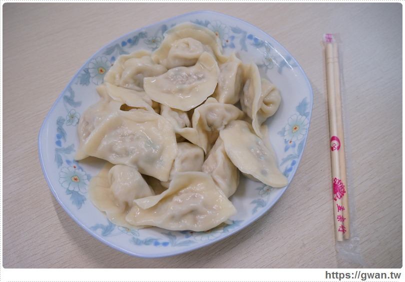 [金門美食●金湖] 巴布義式咖啡 — 咖啡店裡吃水餃?? 不用沾醬就好吃的酸白菜水餃
