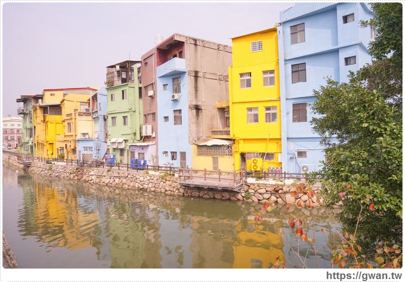 [金門景點●金湖] 金門小威尼斯 — 山外橋畔的彩色房子 | 飛一小時就能到的金門彩虹島