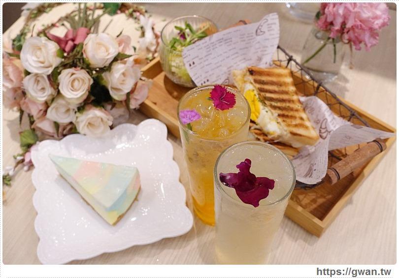 [捷運美食●松江南京站] 花惹花咖啡 HUA CAFE — 充滿乾燥花的美麗咖啡廳 | 提供花圈和粉紅花牆,適合好姊妹約會