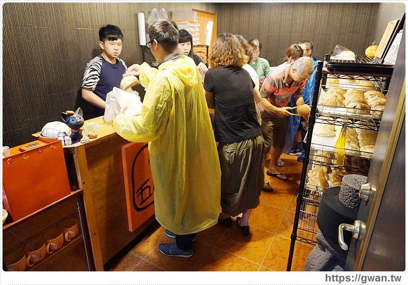 [台南美食●中西區] 五吉堂麵包店 — 隱藏版美食~巷子裡的超人氣秒殺麵包 | 食尚玩家推薦