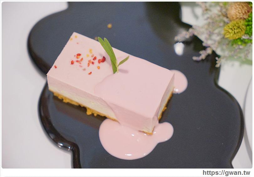 [台中美食●北區] 有點甜cafe A Littlesweet — 文青老屋裡的少女心甜點,還有韓國甜甜圈拿鐵