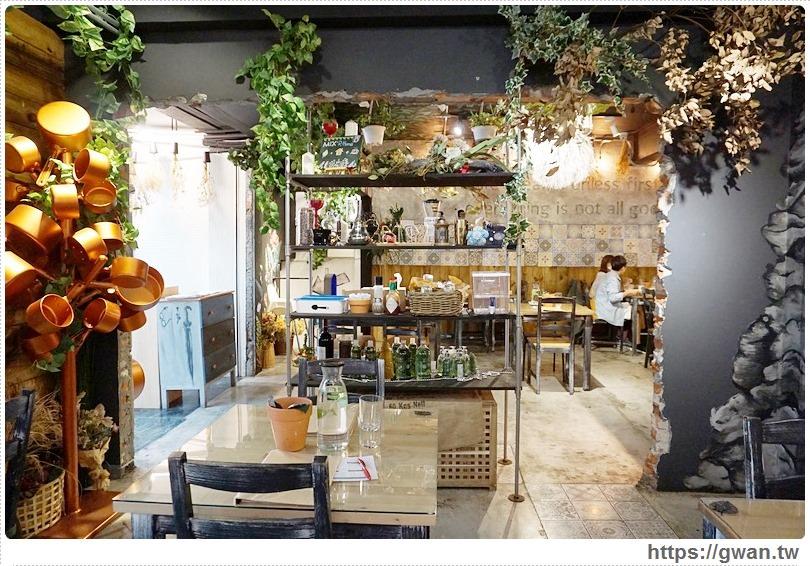 [高雄美食●新興區] 覓食廚房菜單 — 隱身巷弄的森林系餐廳,還有令人驚喜的起司泡泡燉飯