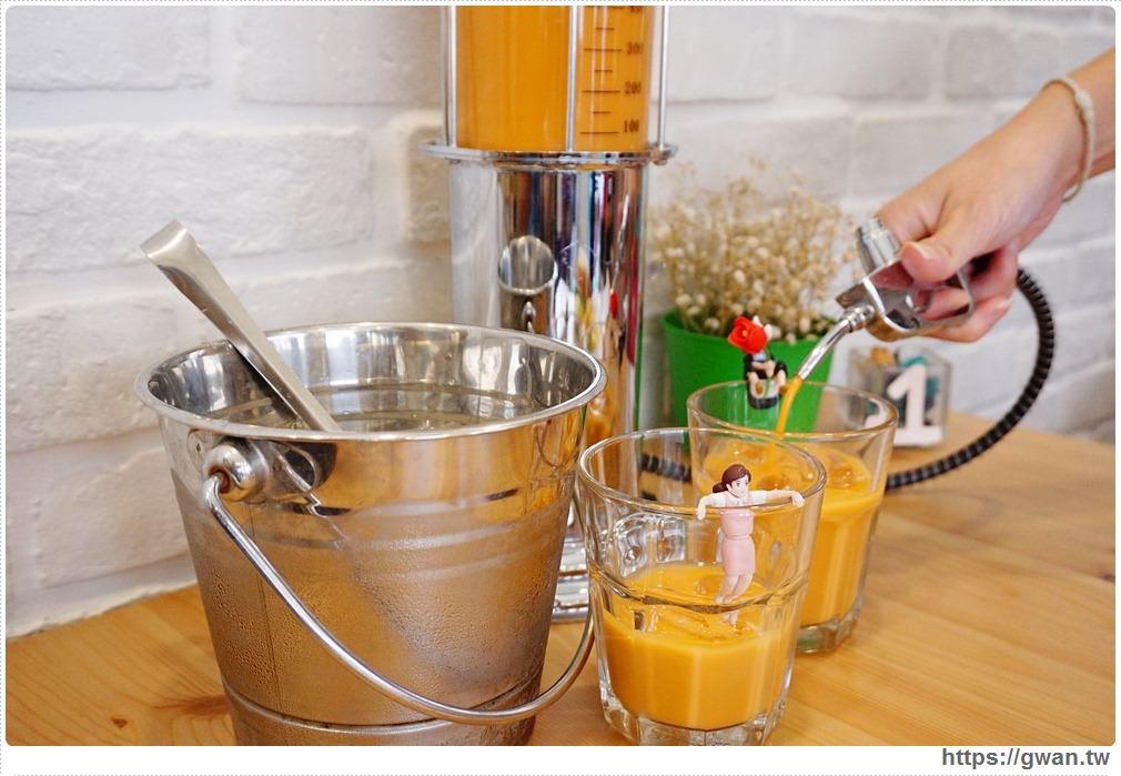 [台中早午餐●西區]  咖基米加油站 | 這次不加汽油,我們加奶茶,還有超特別的抹茶起司碗粿