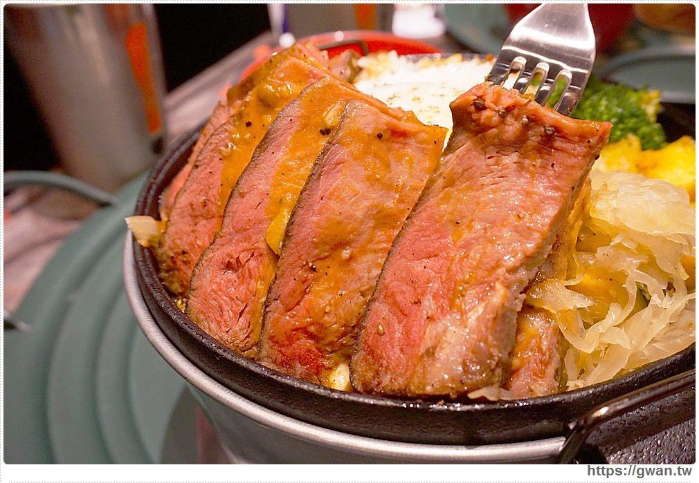 20170811014527 42 - 熱血採訪 | CooK BEEF 酷必牛排飯 — 台北開幕排到哭的牛排飯來台中囉