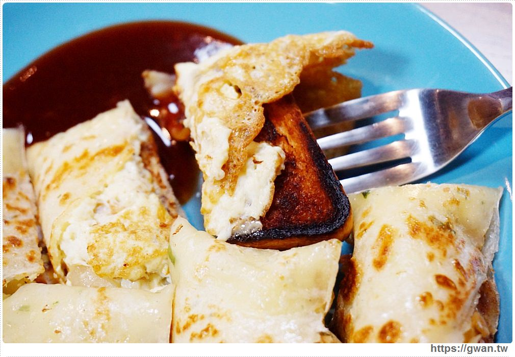 20170925225755 59 - 湯姆阿姨 — 吐司、章魚、年糕通通包進蛋餅裡