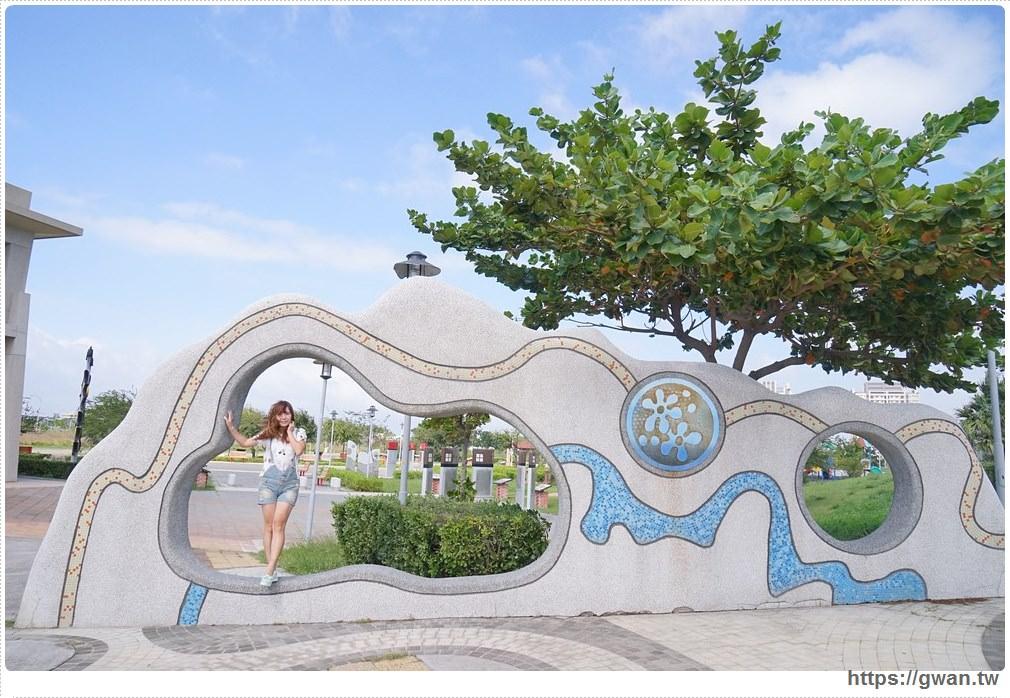 20171020223536 24 - 頂魚寮公園 — 3D地景藝術,和虎鯨、鯊魚一起拍照