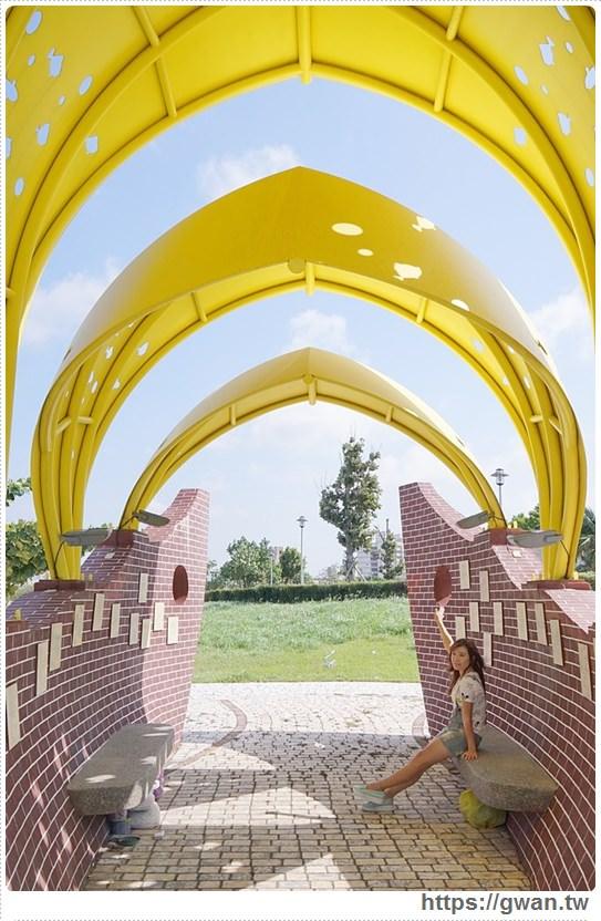 20171020223613 86 - 頂魚寮公園 — 3D地景藝術,和虎鯨、鯊魚一起拍照