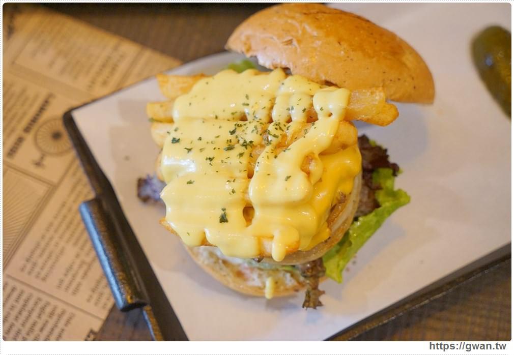 20171029212132 58 - 熱血採訪 | 紅盒子 LE ROUGE 新開幕 浮誇漢堡征服你的味蕾
