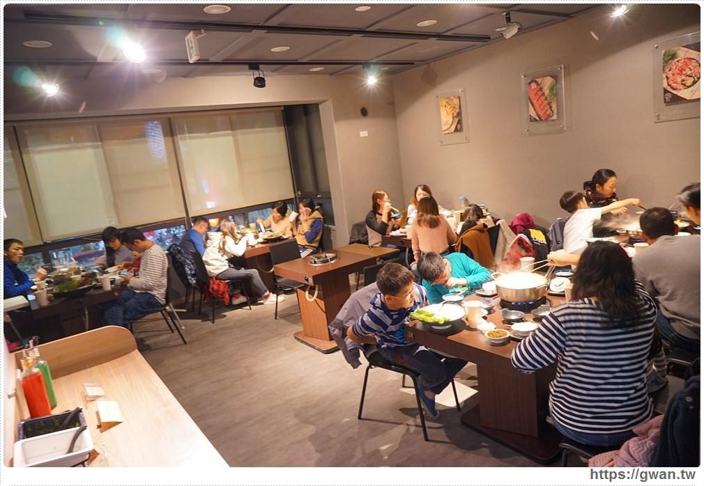 20171212015222 15 - 熱血採訪 | 深紅(昇鴻)汕頭鍋物,用餐人潮大爆滿,超霸氣龍蝦海鮮鍋與隱藏版