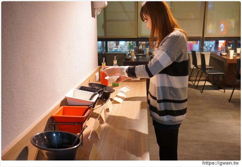 20171212015242 76 - 熱血採訪 | 深紅(昇鴻)汕頭鍋物,用餐人潮大爆滿,超霸氣龍蝦海鮮鍋與隱藏版
