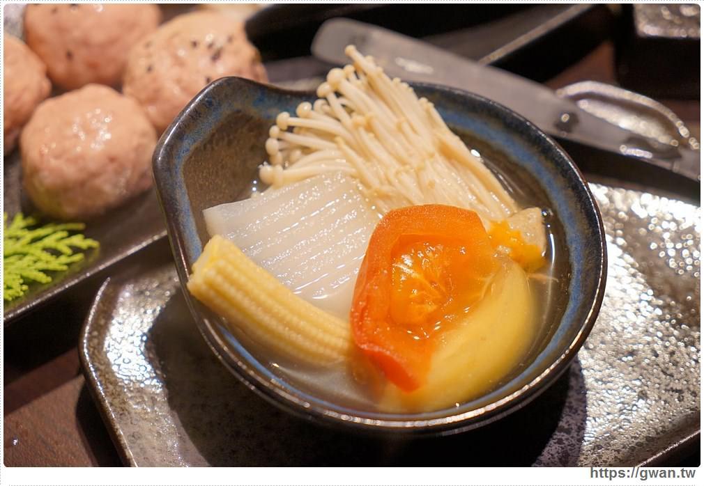 20171212015245 86 - 熱血採訪 | 深紅(昇鴻)汕頭鍋物,用餐人潮大爆滿,超霸氣龍蝦海鮮鍋與隱藏版