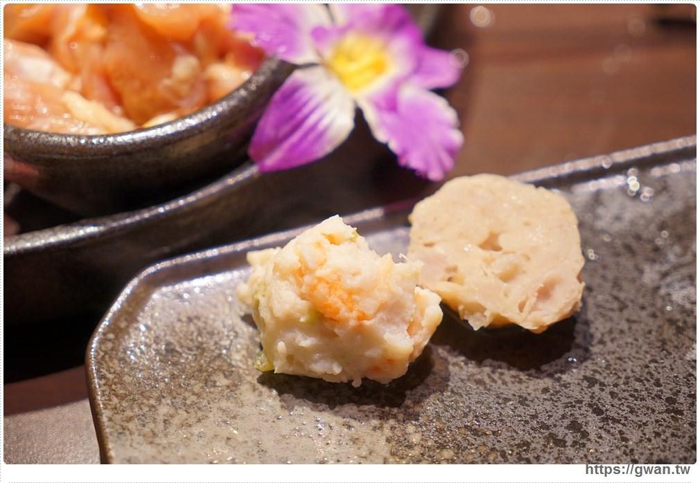 20171212015257 2 - 熱血採訪 | 深紅(昇鴻)汕頭鍋物,用餐人潮大爆滿,超霸氣龍蝦海鮮鍋與隱藏版