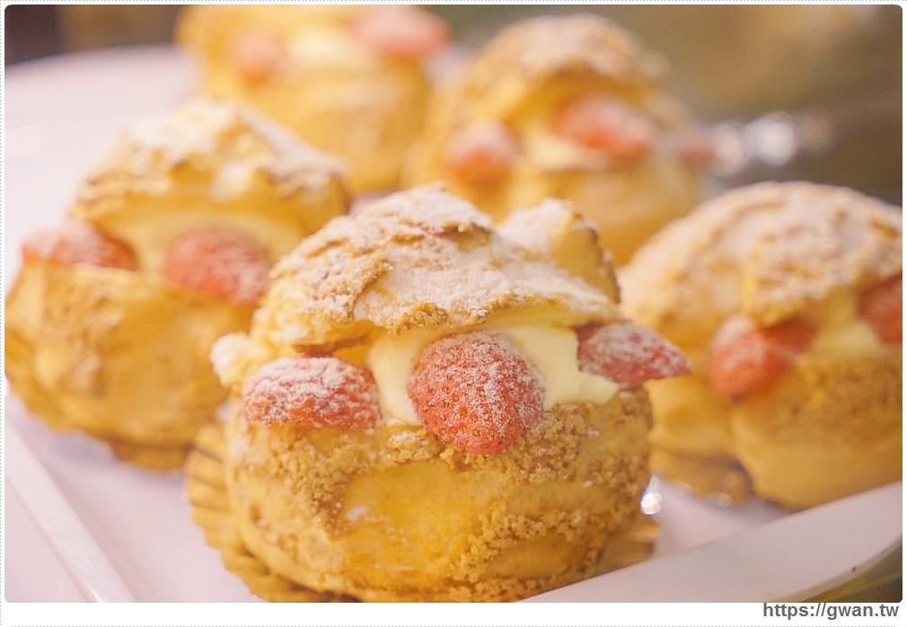 20171219183457 74 - 熱血採訪│逢甲碧根超隱密銅板價的限量草莓甜點店來囉!滿滿的草莓季就在瑞比庫克,還有幾間新開餐廳