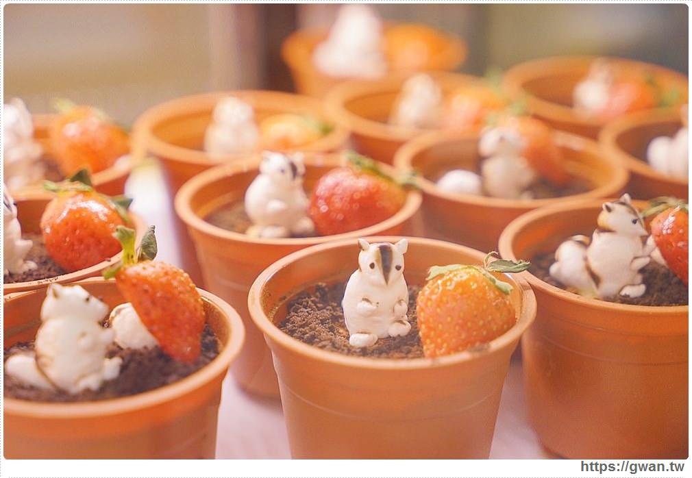 20171219183458 98 - 熱血採訪│逢甲碧根超隱密銅板價的限量草莓甜點店來囉!滿滿的草莓季就在瑞比庫克,還有幾間新開餐廳