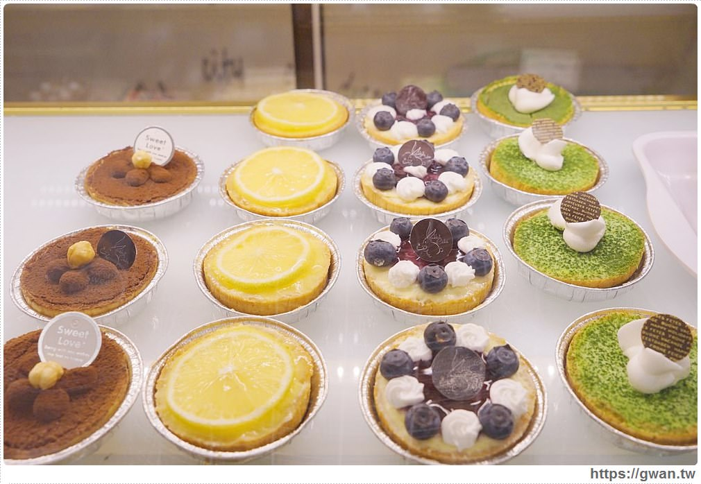 20171219183506 96 - 熱血採訪│逢甲碧根超隱密銅板價的限量草莓甜點店來囉!滿滿的草莓季就在瑞比庫克,還有幾間新開餐廳