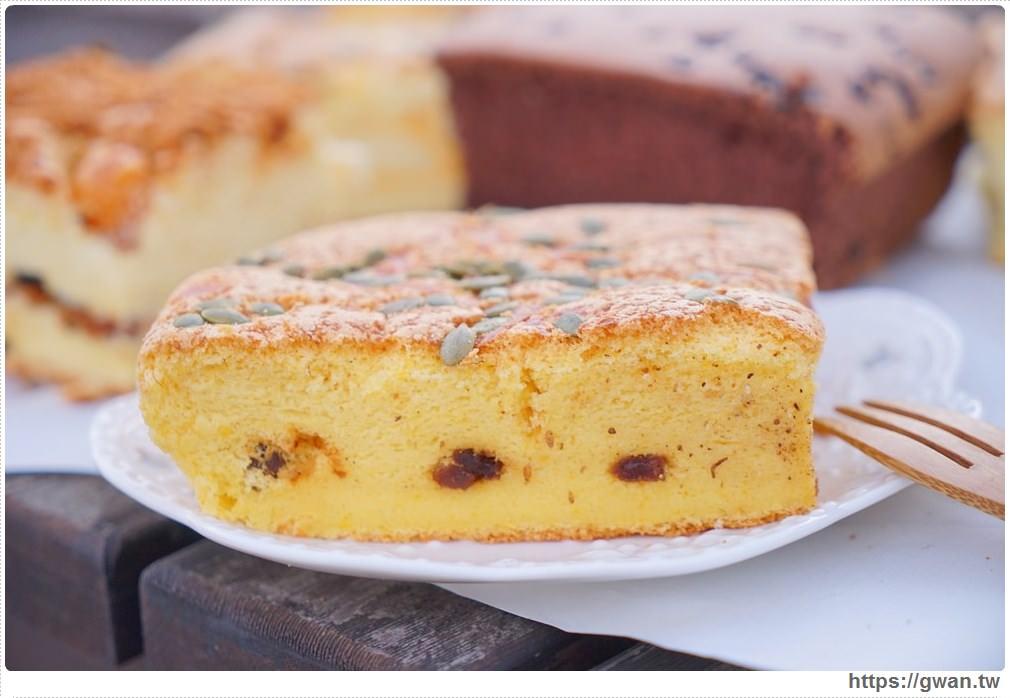 20171224193107 3 - 熱血採訪 | 雞蛋牛奶古早味蛋糕 — 現烤超彈潤蛋糕,每天還有不同隱藏版