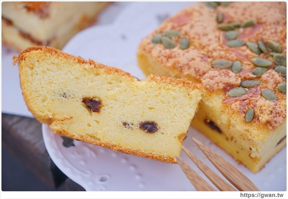 20171224193108 42 - 熱血採訪 | 雞蛋牛奶古早味蛋糕 — 現烤超彈潤蛋糕,每天還有不同隱藏版