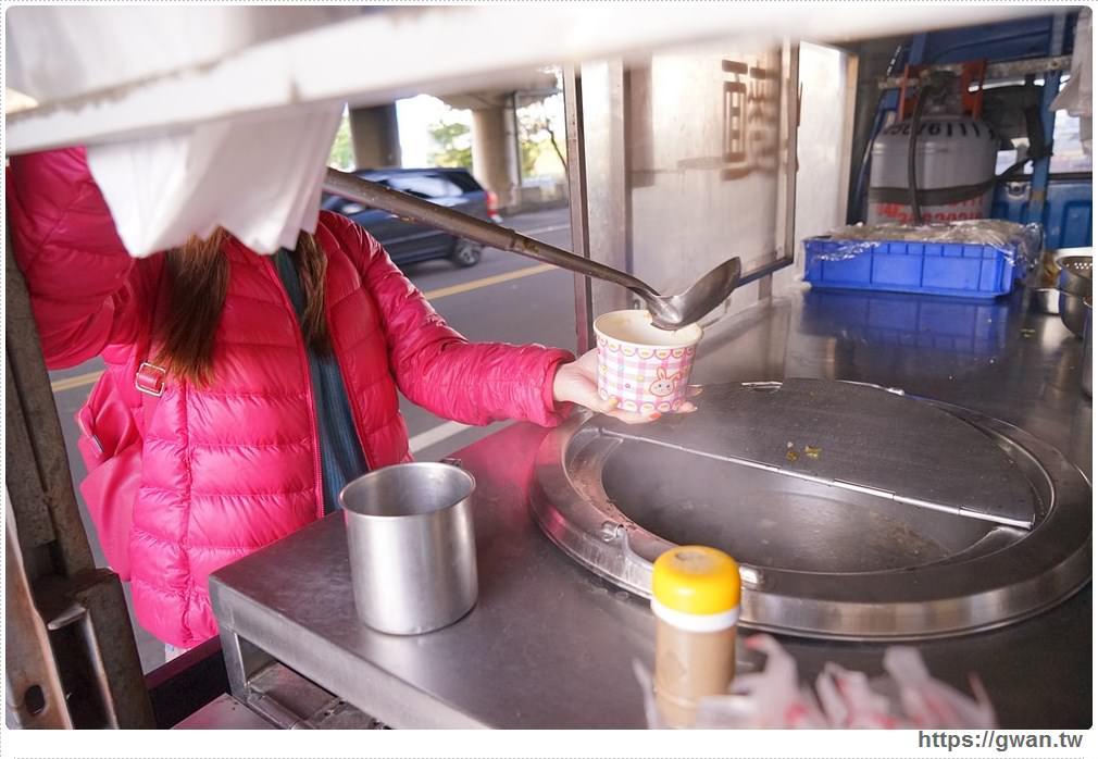 20180112213621 22 - 台中35元豬血湯喝到飽│每天只賣四小時的橋下肉圓,35元一顆肉圓+豬血湯喝到飽