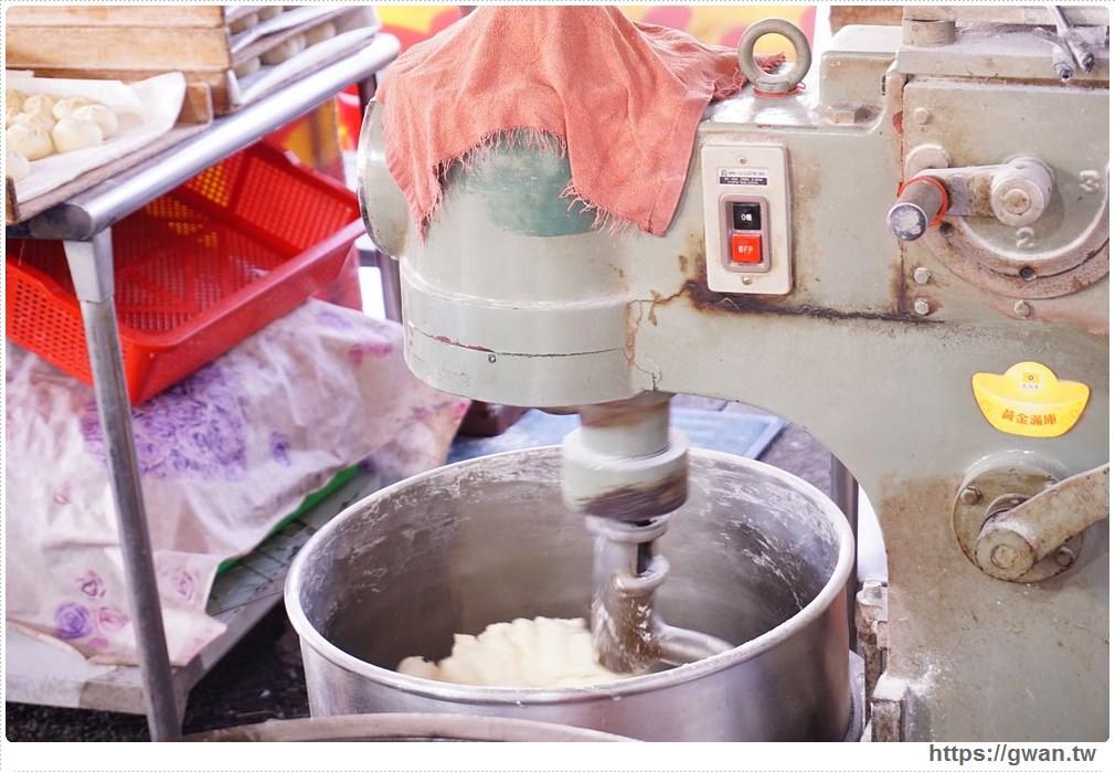 20180118010049 2 - 阿郎港式鮮肉包– 現做包子皮香肉甜,市場人氣銅板小吃