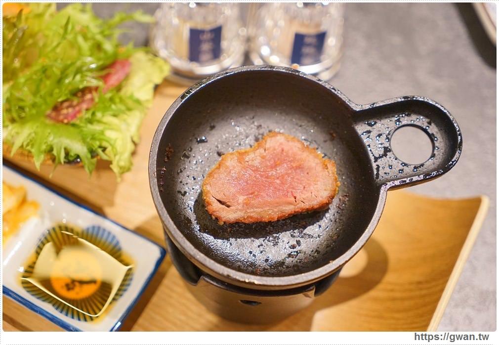 20180201095809 91 - 熱血採訪 | 新光三越乍牛來囉!自己的牛排自己煎,不出國就能品嚐日本人氣炸牛排