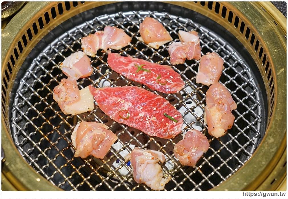 20180203025106 42 - 熱血採訪 | NikuNiku肉肉燒肉 — 時尚氣派裝潢,過年還送你狗年紅包袋唷