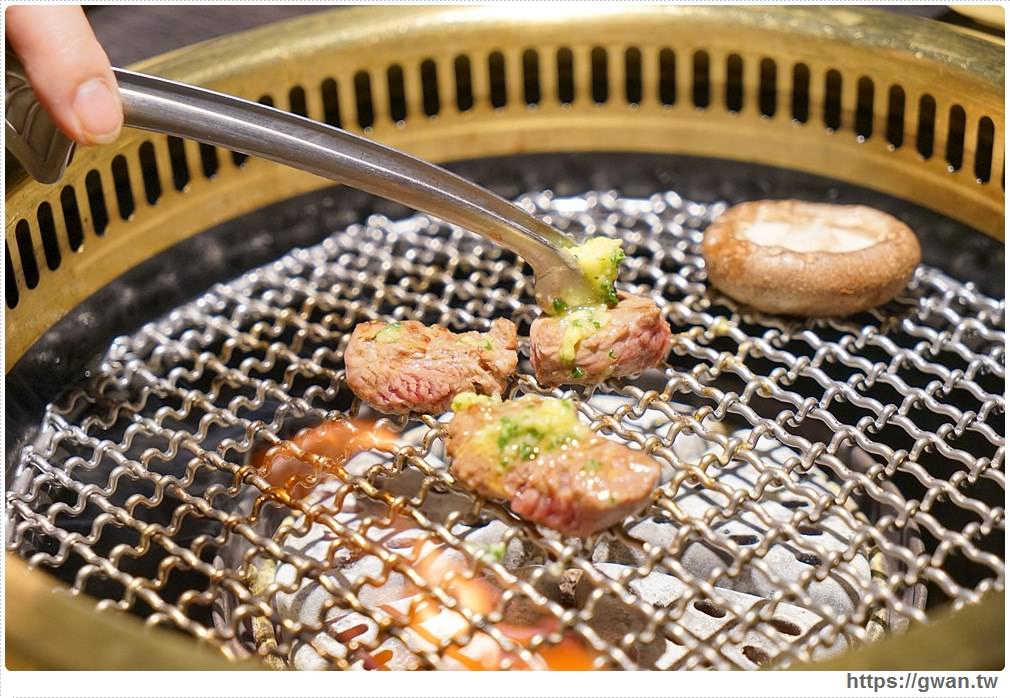 20180203025120 38 - 熱血採訪 | NikuNiku肉肉燒肉 — 時尚氣派裝潢,過年還送你狗年紅包袋唷