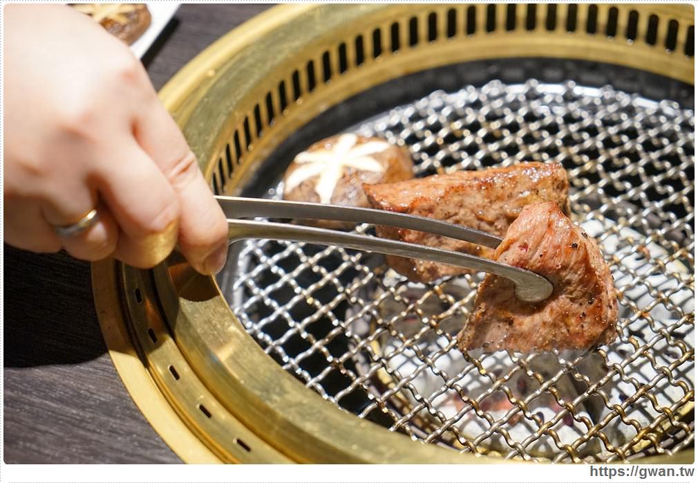 20180203025137 30 - 熱血採訪 | NikuNiku肉肉燒肉 — 時尚氣派裝潢,過年還送你狗年紅包袋唷