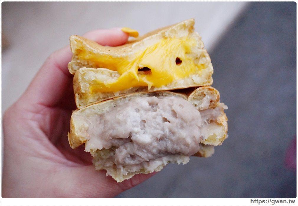 [金門小吃●金城] 如意紅豆餅 — 皮Q餡多,還有小金門芋頭口味喔!!