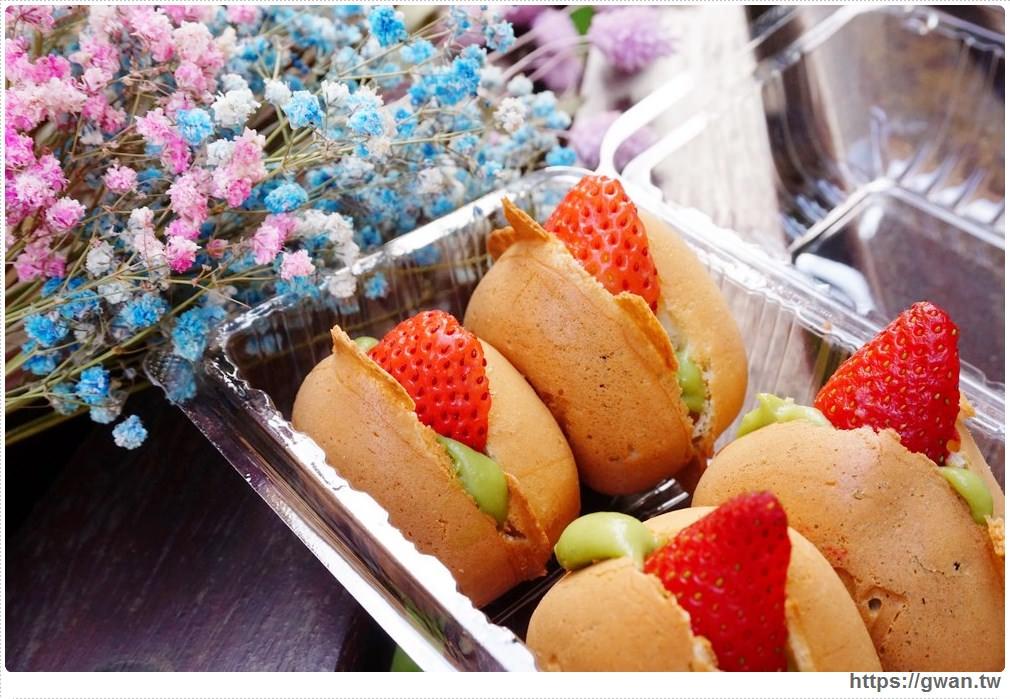 汐止比比脆皮雞蛋糕 | 隱藏版抹茶草莓夾心雞蛋糕,不預訂吃不到!!