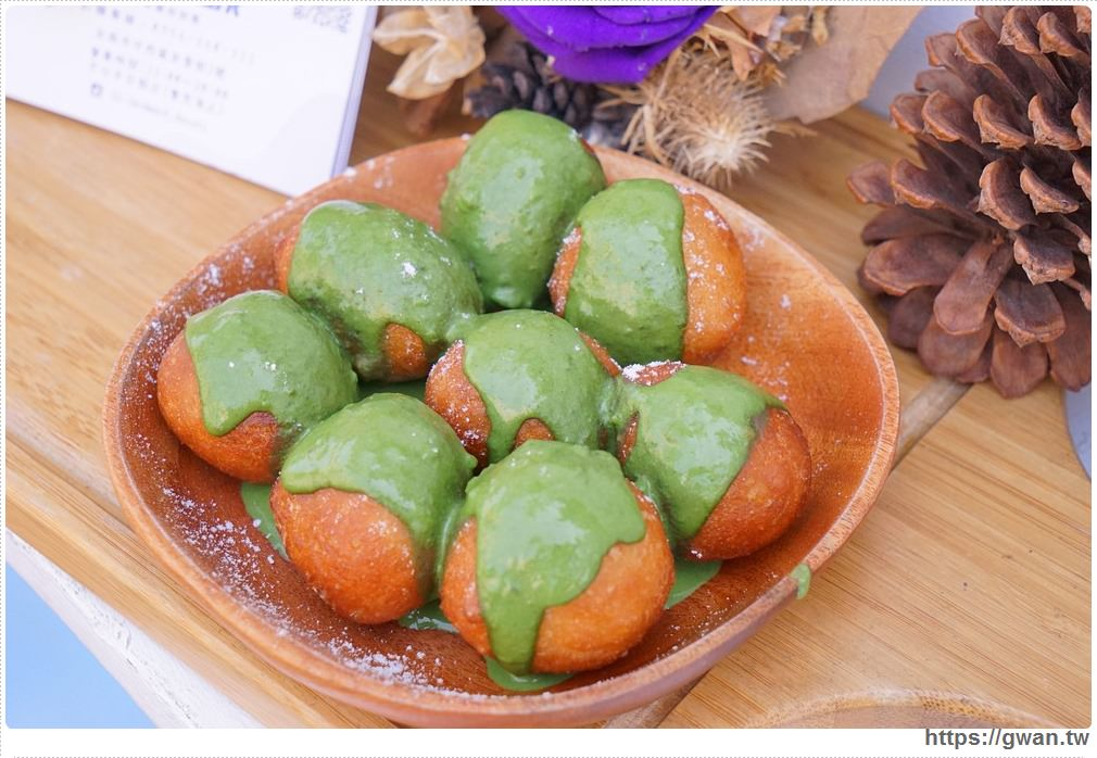 landmark 地標   章魚燒外表、地瓜球口感的抹茶甜甜圈,新奇滋味吃了才知道!!