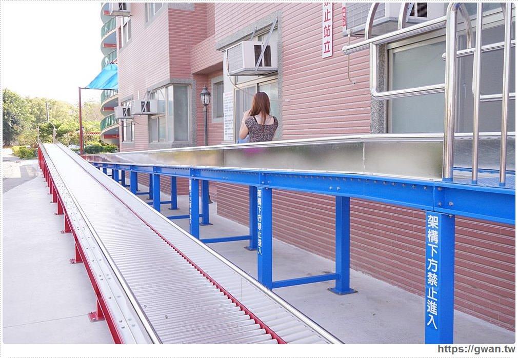 台南麻豆代天府 | 廟宇裡竟藏著滾輪溜滑梯,適合溜小孩的免費親子景點