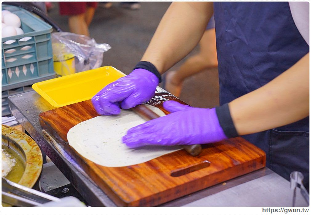 20180409010314 85 - 旱溪夜市幸運炸蛋蔥油餅 | 現揉現炸需要小排隊,起司蔥油餅你吃過嗎?
