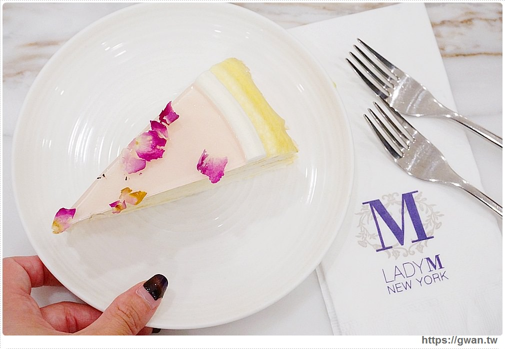 20180509185855 23 - LadyM台中店明天正式開幕!還有台中限定芋頭千層及限量帆布保冷袋~