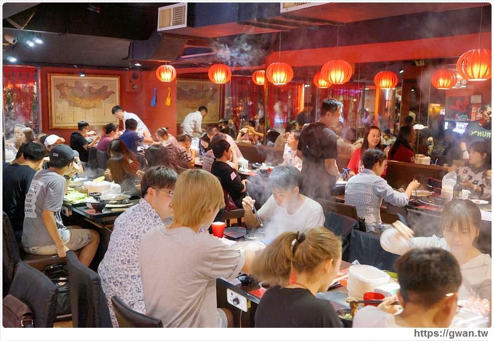 2018東區吃到飽蒙古火鍋推薦 | 自助式百種食材隨你夾,蒙古紅用餐時間人潮滿滿